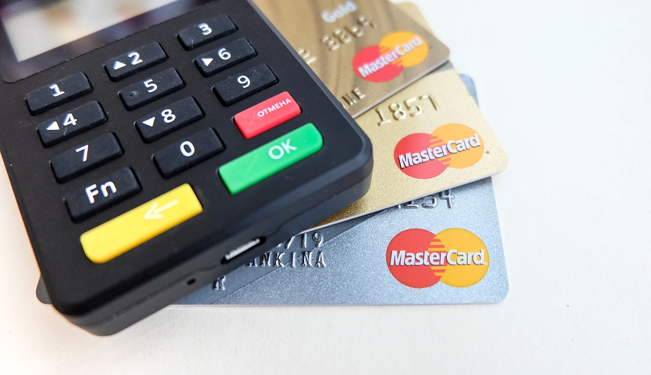 manage the disputed card transaction